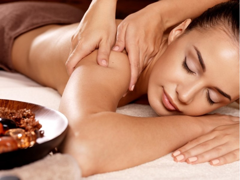 2-Hour Spa & Jacuzzi Experience for Two at Caribbean Spa