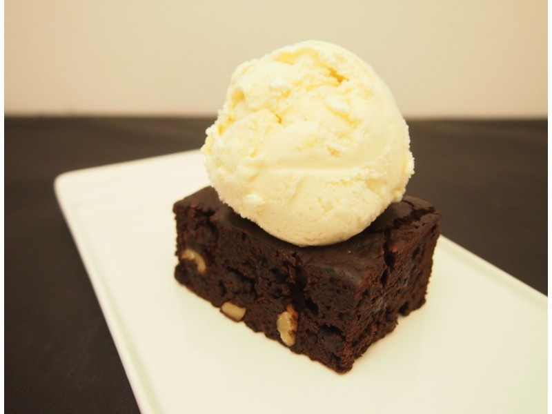 Brownies and Ice Cream Delight at P.Osh