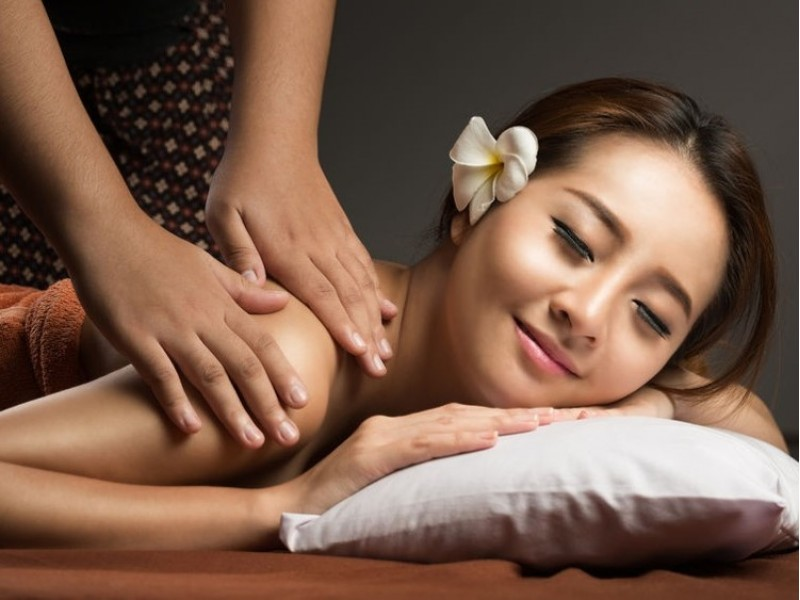 Home Massage for One by The Outcall Spa